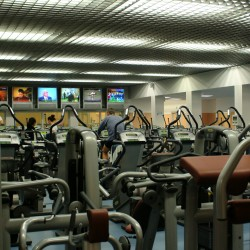Sportsman Club: palestra con attrezzature Cardio Fitness